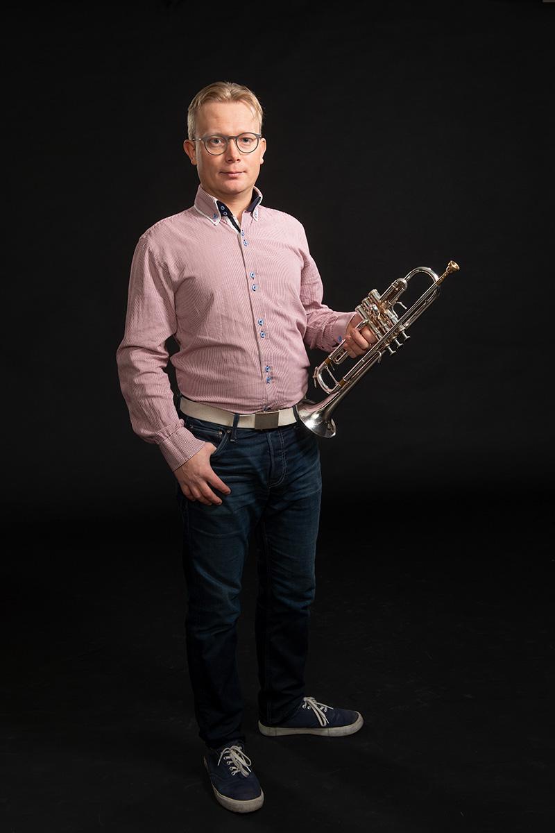 Tero Savolainen : Bändilinjan opettaja: trumpetti