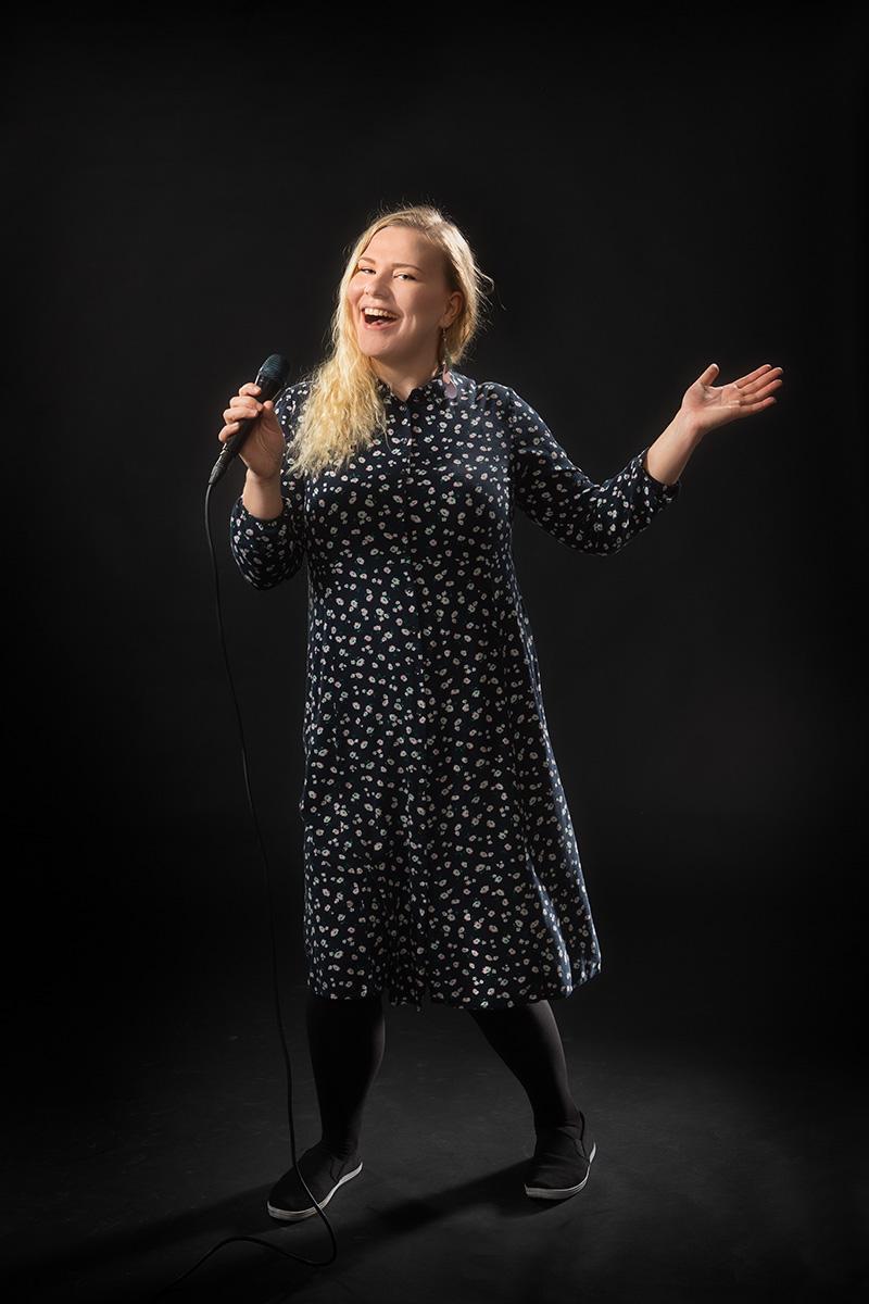 Elisa Pellinen : Bändilinjan opettaja: laulu